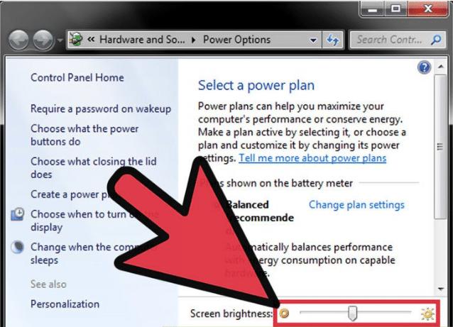 Ở mục Screen brightness, bạn kéo độ sáng màn hình tùy thích